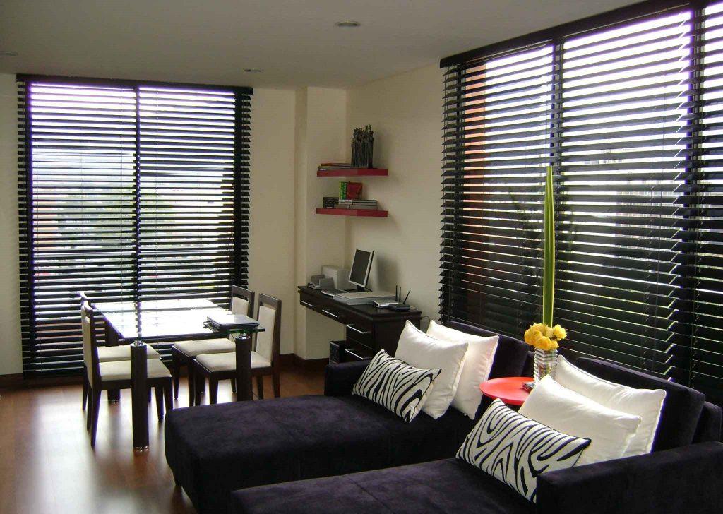 persiana para sala en madera